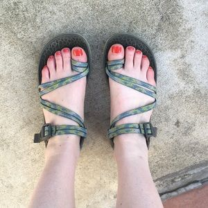 Chaco Double Strap Toe Loop Blue Green Sandals 10